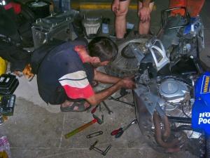 Dämpfer Reparatur an der XTZ.