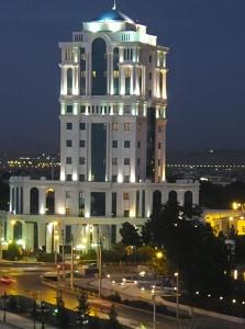 Ashgabats Prunkbauten.