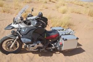 Hurra, mein Moped steht ganz allein!
